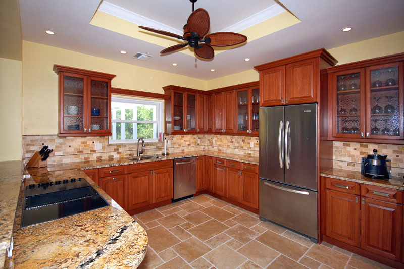 Gallery kitchen sanibel design center for Kitchen gallery ideas